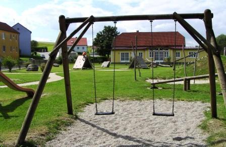 Kinderspielplatz und Musikerheim
